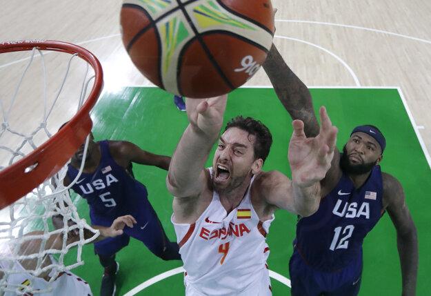 Paul Gasol je nie len hviezdou zdolaných Španielov, ale aj hviezdou NBA. Po zápase má pocit, že so spoluhráčmi prepásli šancu.
