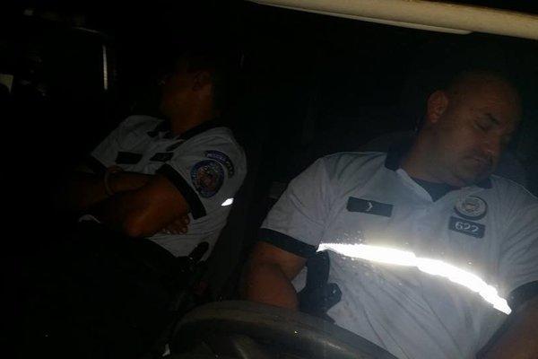 Spiaci mestskí policajti. Prebralo ich až volanie z dispečingu.