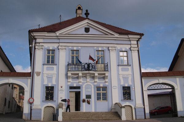 Historická radnica v Kremnici.