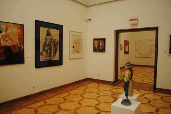 Umelecké exponáty. Vystavuje Galéria umelcov Spiša.