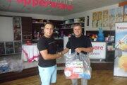 Naľavo víťaz súťaže Boris Polacsek, naľavo konateľ spoločnosti IveKol s.r.o. Koloman Forró.
