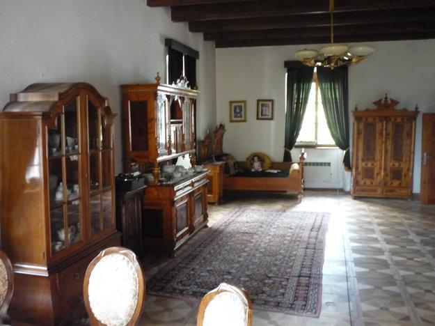 Kysucká obývačka vmeštianskej rodine.