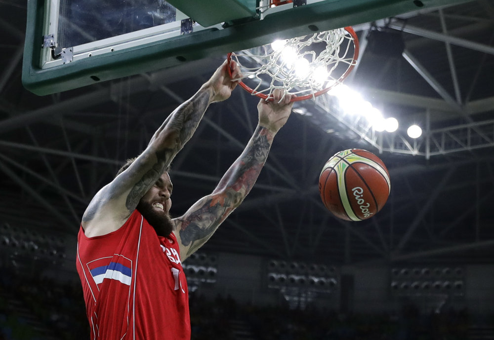 Basketbal, Srb Miroslav Raduljica.
