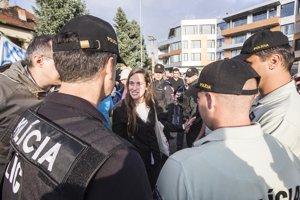 Aktivistov riešila polícia.