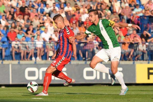 Takto spolu bojovali Jakub Kosorín (FK Senica) a kapitán MFK Skalica Pavol Majerník v 3. kole Fortuna ligy.
