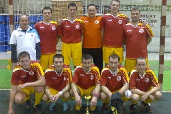 FSC Prievidza postúpil do štvrťfinále z druhého miesta.
