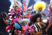 Miley Cyrusová počas vystúpenia v roku 2015