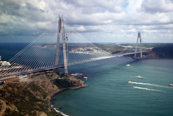Most Sultána Selima I. je najširší visutý most na svete.