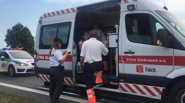 Pri nehode sa zranila vodička Škody Rapid.