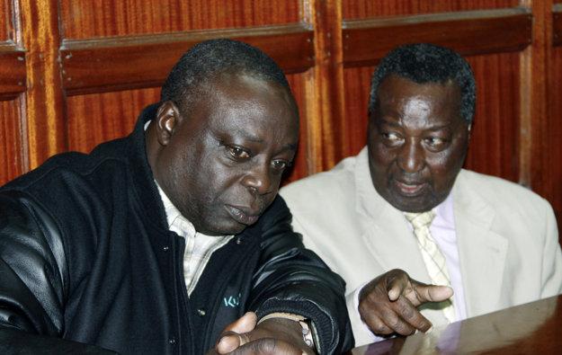 Francis K Paul (vľavo) a Pius Ochieng sú medzi obvinenými.