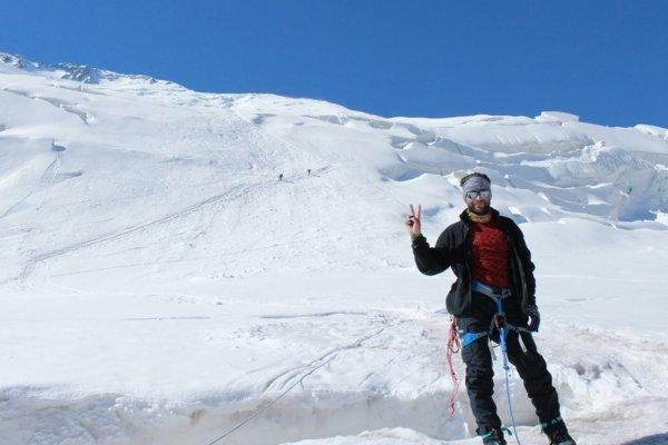Michal Tlelka pod vrcholom hory Pik Lenina v Kirgizsku (7134 m. n. m.). Dostali sa do výšky 5600 m. n. m. nad tábor C2.