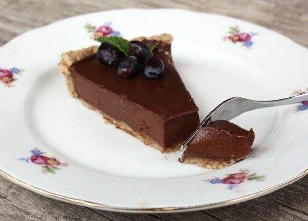 Nepečený čokoládový koláč