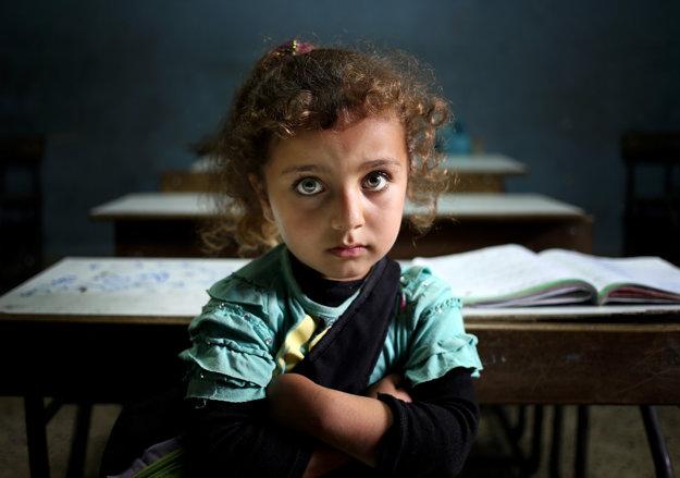 Sýrske dievčatko v škole pre utečencov.