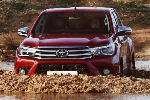 Pikap Toyota Hilux ôsmej generácie. Pikap Hilux, ktorý prišiel na trh v roku 1968, je veľmi obľúbené vozidlo a na celom svete sa ho už predalo vyše 16 miliónov.