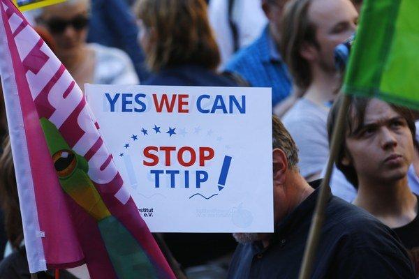 Štvrtkový protest v Mníchove organizovali environmentálni aktivisti a ľavicové skupiny.