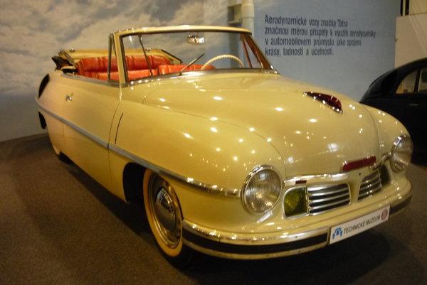 T 600 Tatraplan /1949/.Kabriolet spodvozkom sériového Tatraplanu karosovaný firmou Sodomka zVysokého Mýta pre autosalón vŽeneve, potom ho darovali J.V.Stalinovi k70. narodeninám avroku 1976 ho opäť vrátili do Kopřivnice.
