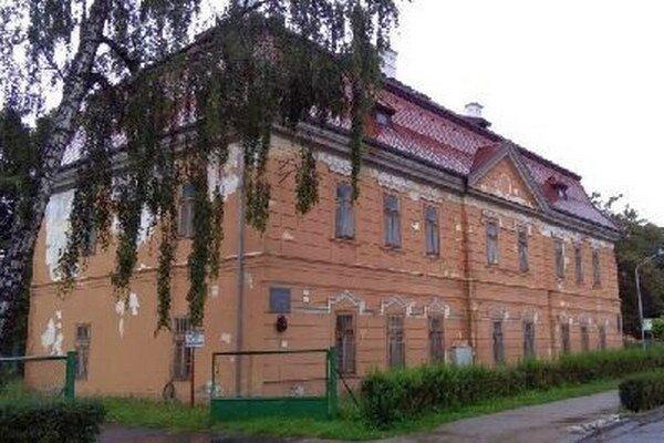 Župa chce historickú budovu na Hradnej ulici zrekonštruovať.