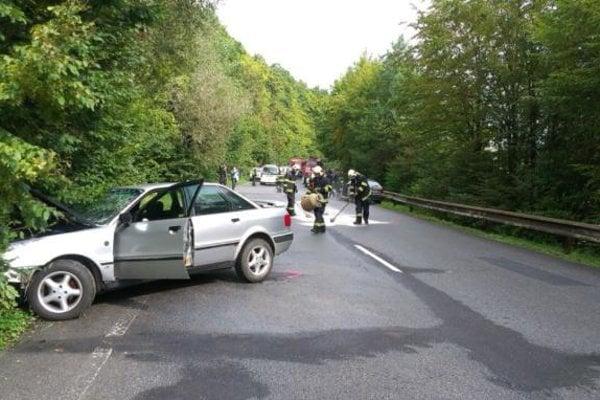 Situácia po tragickej havárii.