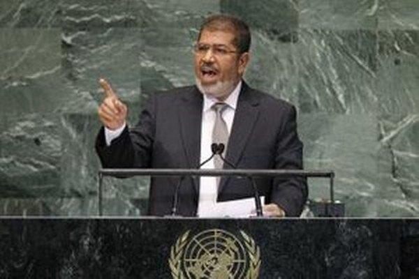 Egyptský prezident Muhammad Mursí počas prejavu na zasadnutí Valného zhromaždenia OSN v sídle OSN v New Yorku v roku 2012.
