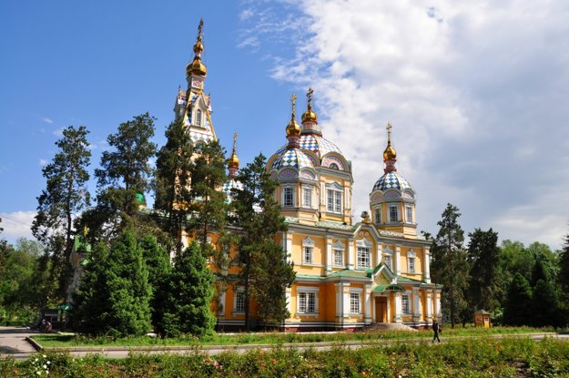 Zenkova katedrála je najkrajšou pamiatkou mesta.