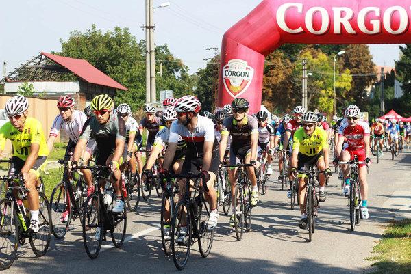 Na hlavnú trať v dĺžke 116 km sa vydalo 80 cyklistov.