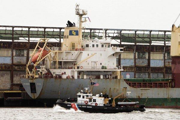 Loď Sian C, ktorá vo štvrtok priplávala z Pobrežia Slonoviny, kotvila pri móle č. 84 v prístavisku na rieke Delaware.