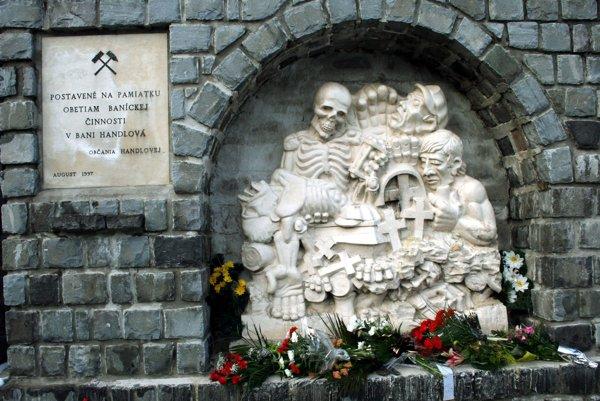 Pamätník obetiam banských nešťastí na hornej Nitre v Handlovej.