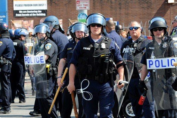Guvernér štátu Maryland zrušil mimoriadny stav v Baltimore.