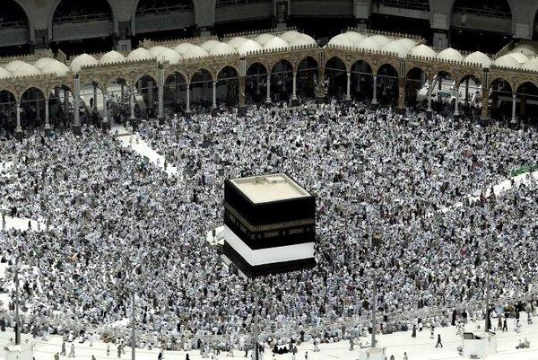 Každoročnú púť v Mekke navštevujú moslimovia z celého sveta.
