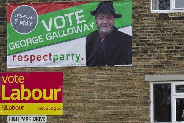 Labouristi i konzervatívci si oproti pondelku o percento polepšili.