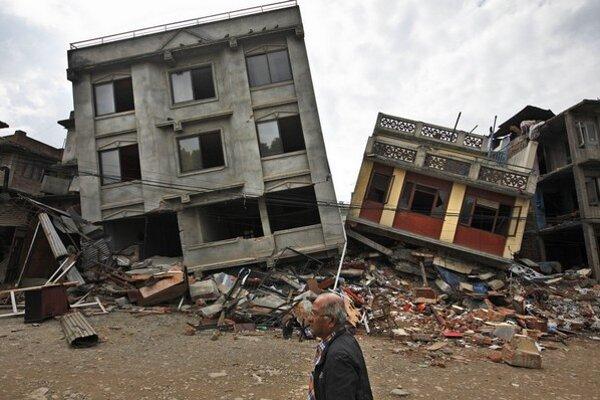 Počet obetí zemetrasenia už presiahol šesťtisíc.