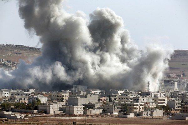 Letecké útoky koalície si od začiatku kampane v septembri minulého roka vyžiadali už asi 2 100 mŕtvych.