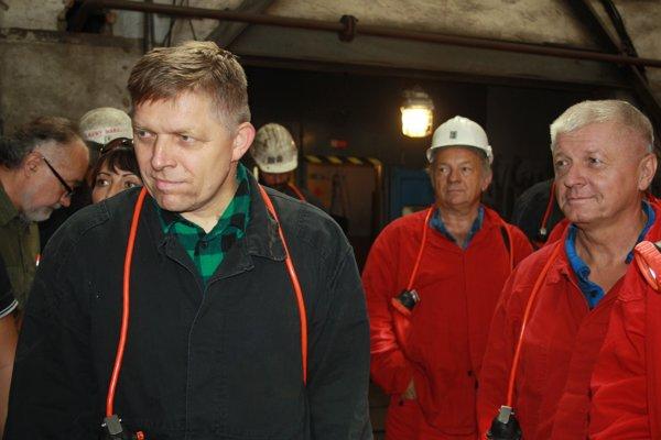 Premiér Róbert Fico sfáral do nováckej bane.