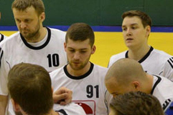 Do play-off zostávajú odohrať dva zápasy.