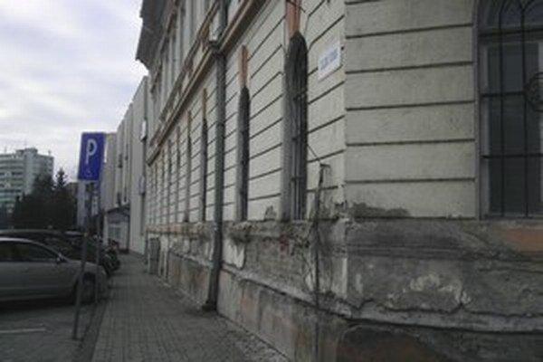 Na rekonštrukciu Domu politických strán sa nepodarilo získať peniaze.