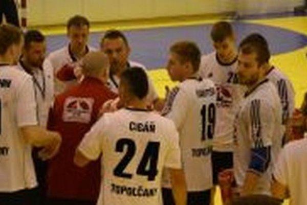 Hádzanári doma vyhrali o dva góly.