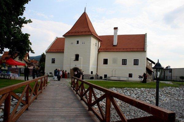 Slávnostné otvorenie vodného hradu.