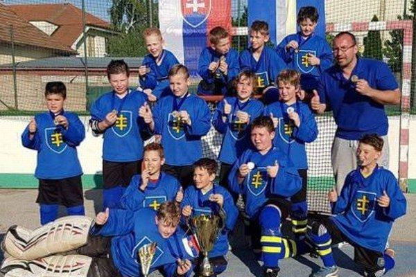 Topoľčany U10 vyhrali domáci turnaj.