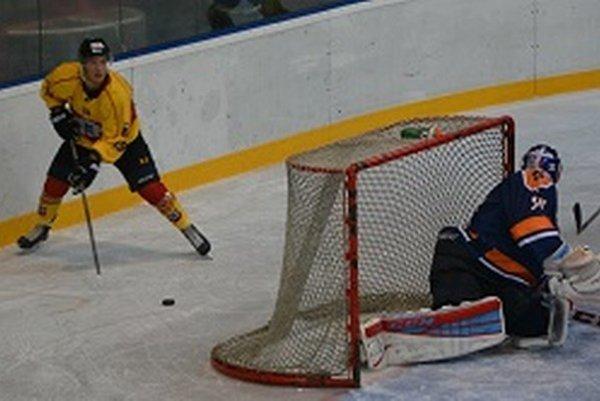 Topoľčany doma v prvom zápase porazili reprezentačnú dvadsiatku 3:0.