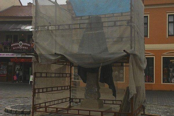 Socha prechádza rekonštrukciou.