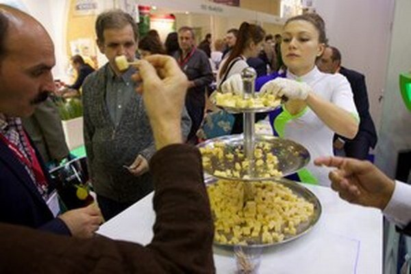 Ruský syr na septembrovej svetovej výstave potravín v Moskve.