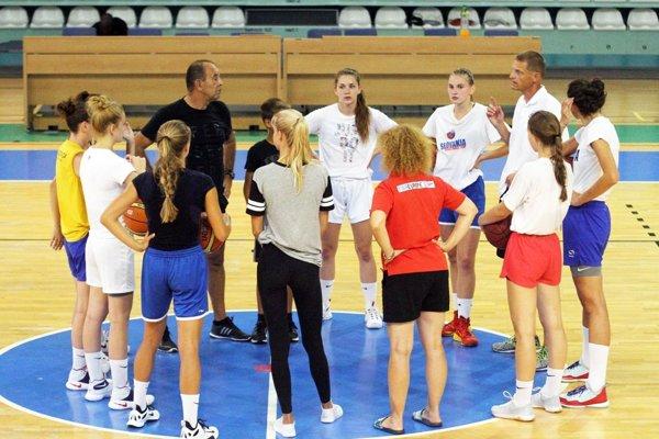 Basketbalistky Nitry odohrali v Ostrave štyri stretnutia proti kvalitným súperom.