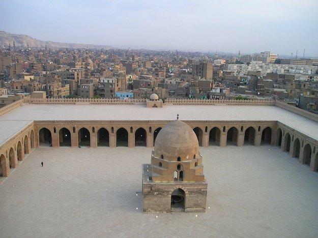 Islamská mešita v Káhire.