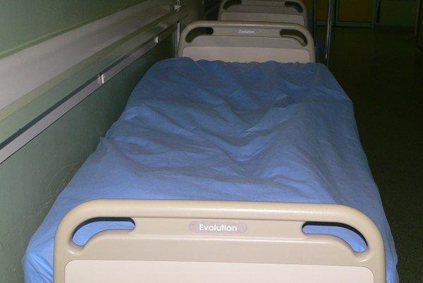 159 elektrických polohovateľných postelí zo Švajčiarska je vzácnym darom.