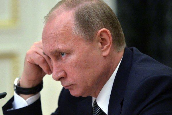 Ruský prezident Vladimir Putin počas zasadnutia kabinetu v Moskve.