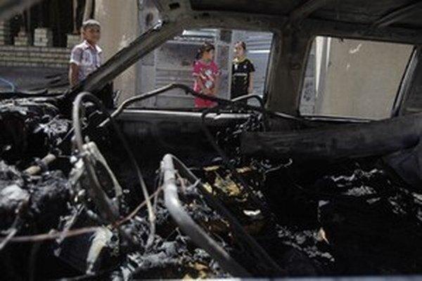 Auto naplnené výbušninami bolo zaparkované v blízkosti nekrytého trhoviska.