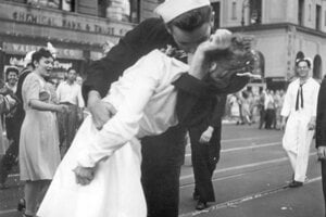 Gréta Zimmerová a George Mendosa na Times Square.