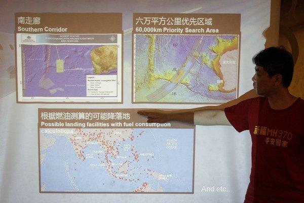 Pozostalí stále veria, že sa stratené lietadlo nájde.