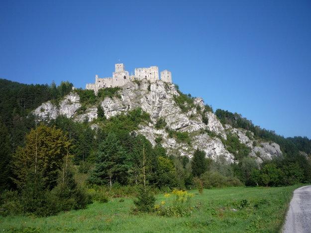 Hrad Strečno je skvostom vŽilinskom kraji.