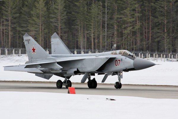 Ruské stíhačky Mig-31.